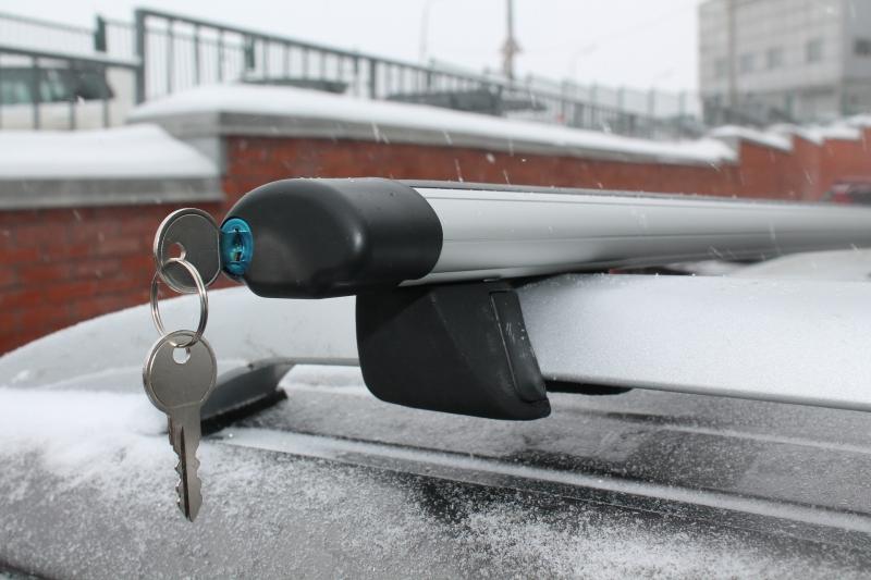 Багажник на рейлинги с замком и АЭРОдинамическими поперечинами  140 см  ( Inter Крепыш + Аэро 140 замок )